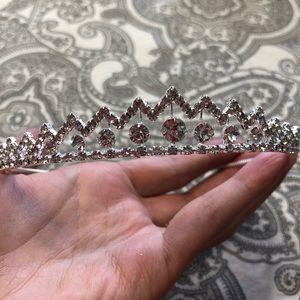 Jewelry - ⬇️ Rhinestone tiara